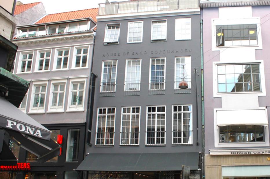b84ede7999e Østergade 40, København